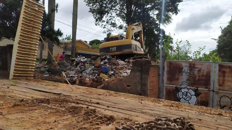 Casa foi demolida: estrutura estava comprometida - Crédito: Maycon Maximino