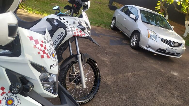 Carro roubado foi localizado por uma equipe da RPM - Crédito: Maycon Maximino