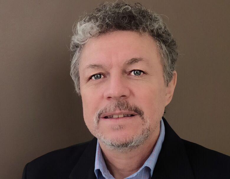 """Martins: """"O prêmio representa um reconhecimento dos esforços feitos durante os meus 27 anos como professor da UFSCar"""" - Crédito: Divulgação"""