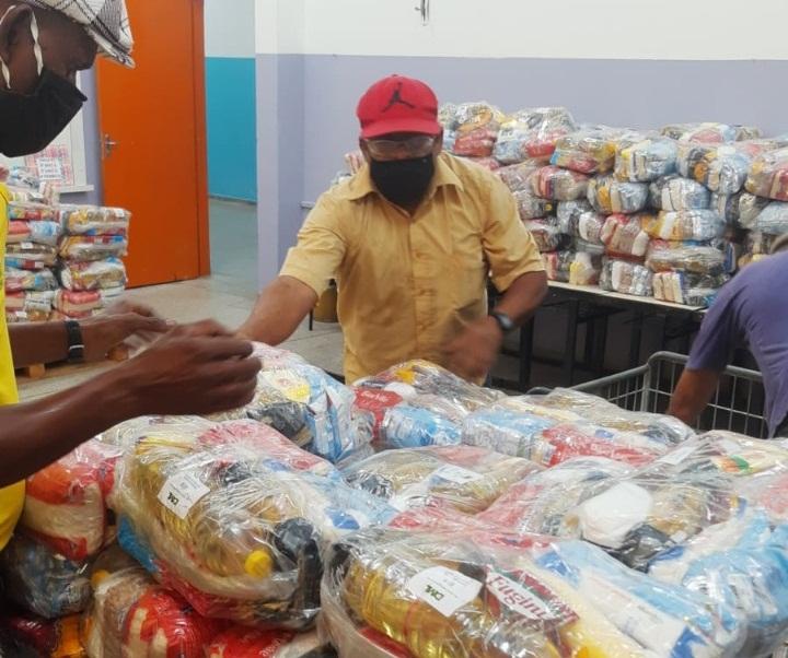 Kit alimentação é entregue em escola no Cidade Aracy - Crédito: divulgação/PMSC