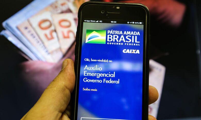 Saiba como descobrir se você foi beneficiado pelo novo auxílio emergencial - Crédito: Agência Brasil