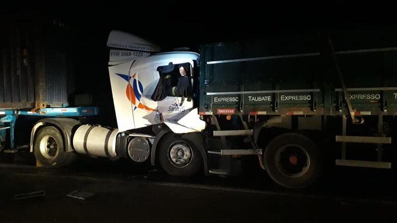 Caminhoneiro morre após acidente na Washington Luis - Crédito: Branco Elizandro/Colaboração