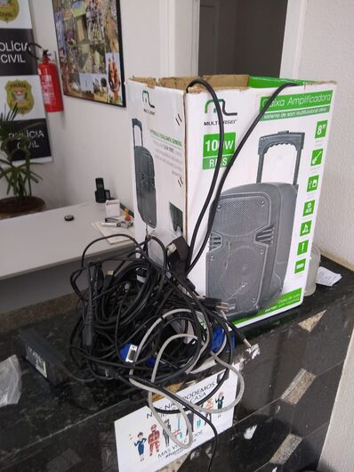 Caixa amplificadora furtada da escola foi recuperada - Crédito: divulgação