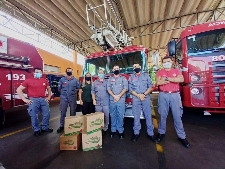 Destilaria Nova Era realiza doação ao Corpo de Bombeiros de São Carlos - Crédito: Nova Era/Gleiciane Amaral.