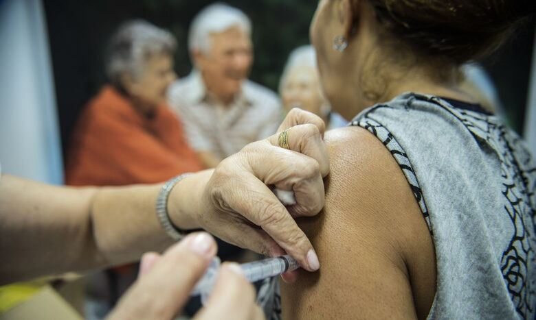 Vacinação contra a gripe começa nesta segunda-feira, 12 - Crédito: Agência Brasil