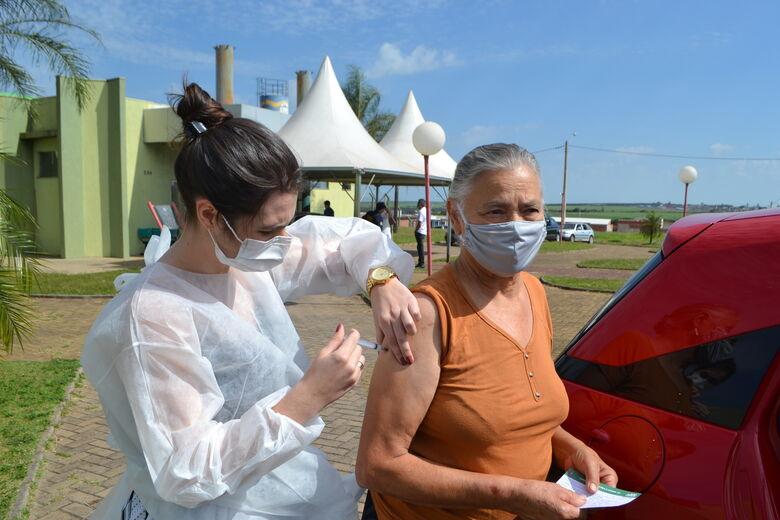 Ibaté inicia vacinação do grupo de pessoas com 65 e 66 anos neste feriado de quarta-feira (21) - Crédito: divulgação