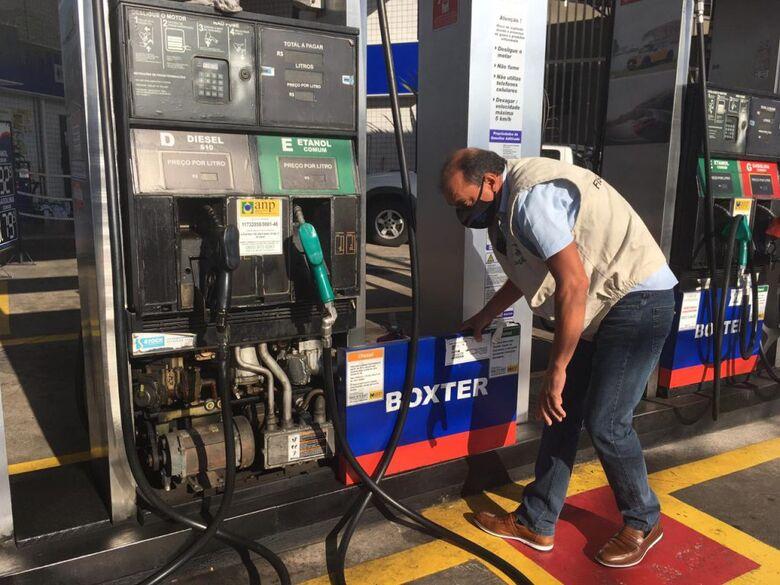 Bomba de combustível liderou o número de reclamações com 172 registros e 78 reprovações - Crédito: Divulgação