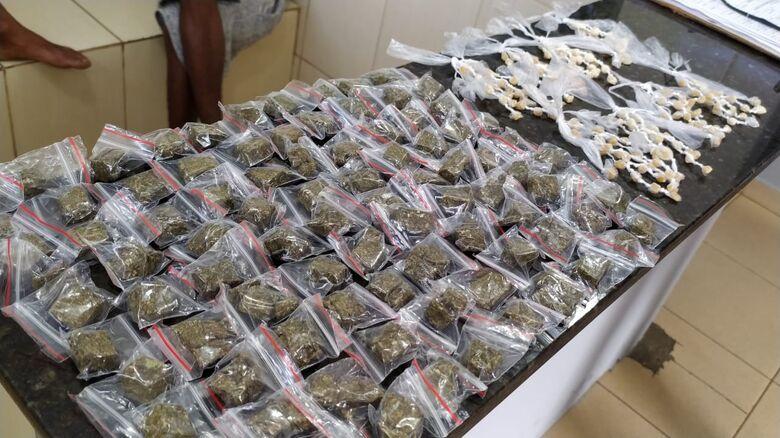 A droga que estava em poder do traficante - Crédito: Maycon Maximino