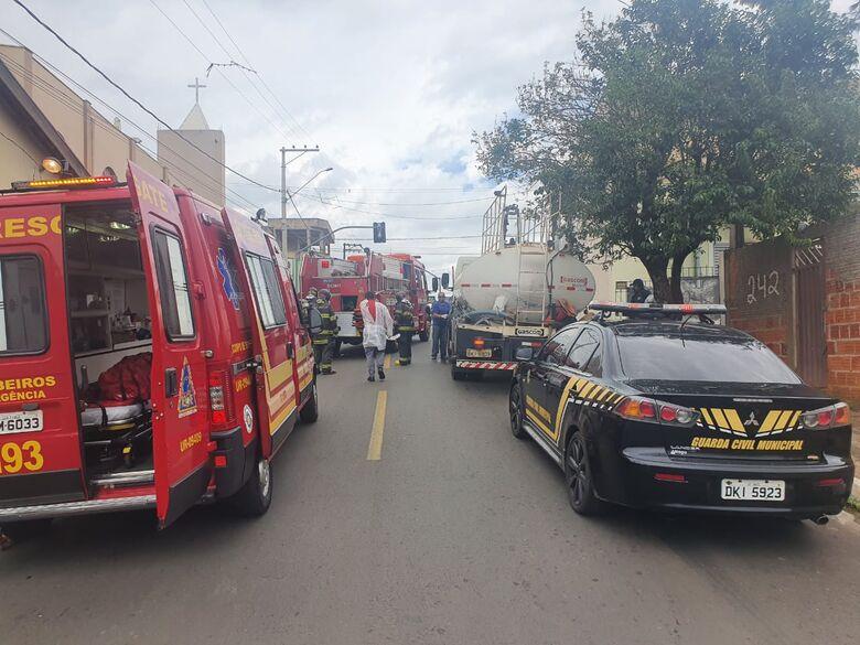 Homem ateou fogo na própria residência e desmaiou em seguida - Crédito: Divulgação