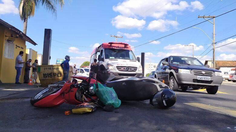 Motociclista é socorrido pela USA com ferimentos graves - Crédito: Maycon Maximino