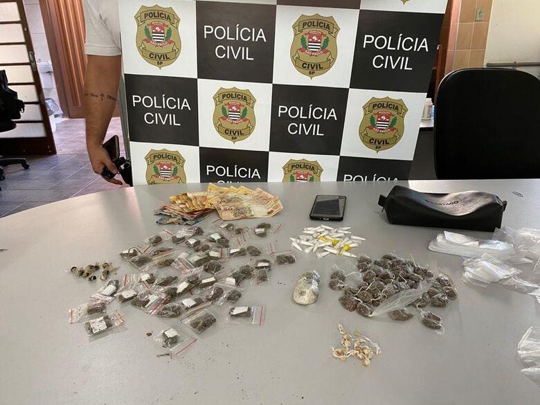 Jovem é preso por tráfico na Vila Costa do Sol -