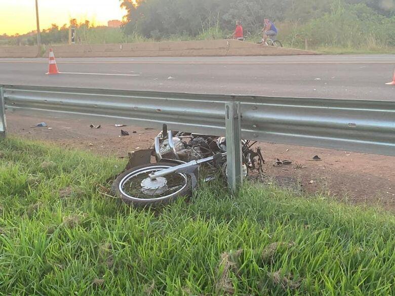 Motociclista perde a vida em acidente na SP-255 -
