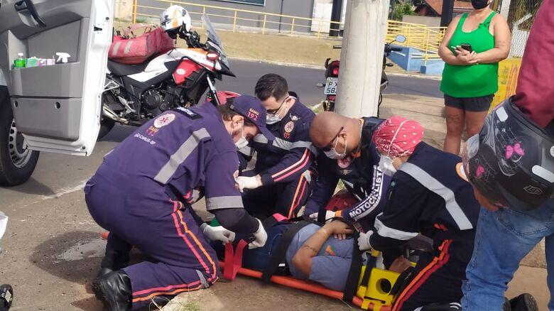 Garupa recebe atendimento médico: com escoriações, foi encaminhada à Santa Casa - Crédito: Maycon Maximino