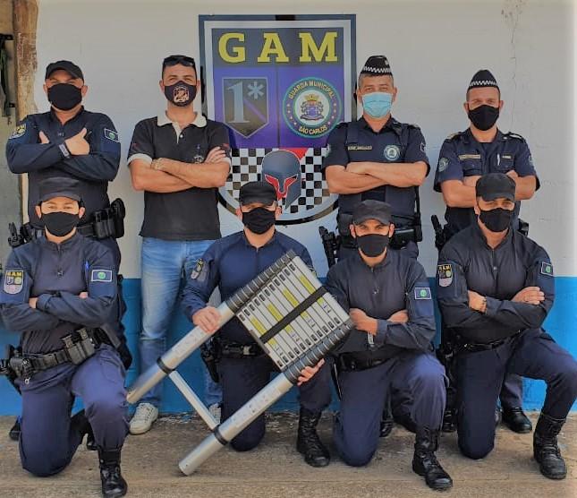 Guarda Municipal recebe doação de uma escada telescópica -
