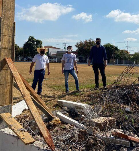 Vereadores questionam gastos para reforma de campo de futebol no Jardim Paulistano - Crédito: divulgação