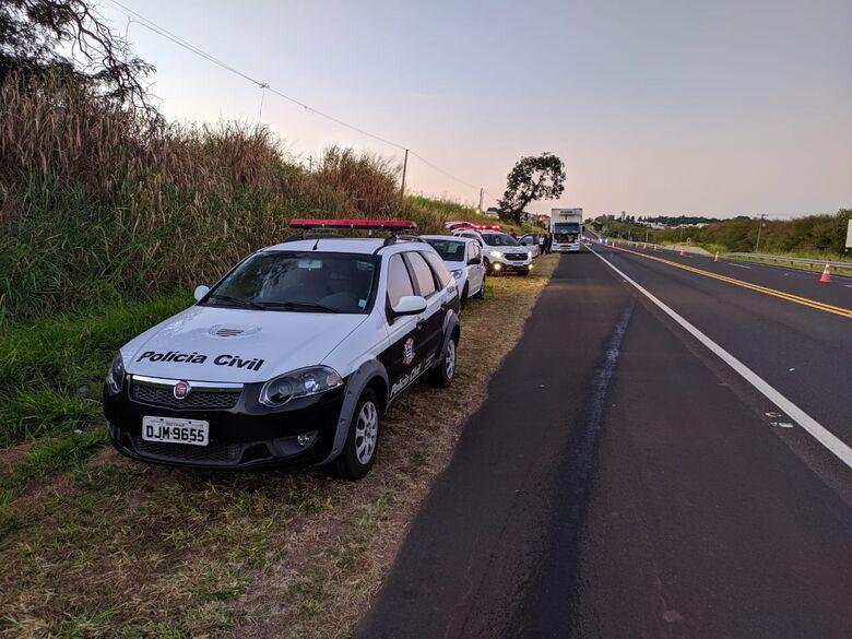 Motorista que passou sobre corpo na SP-318 foi autuado por embriaguez ao volante - Crédito: Maycon Maximino