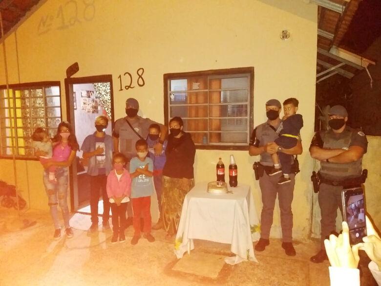 Policiais fizeram a festa do Ray - Crédito: arquivo pessoal