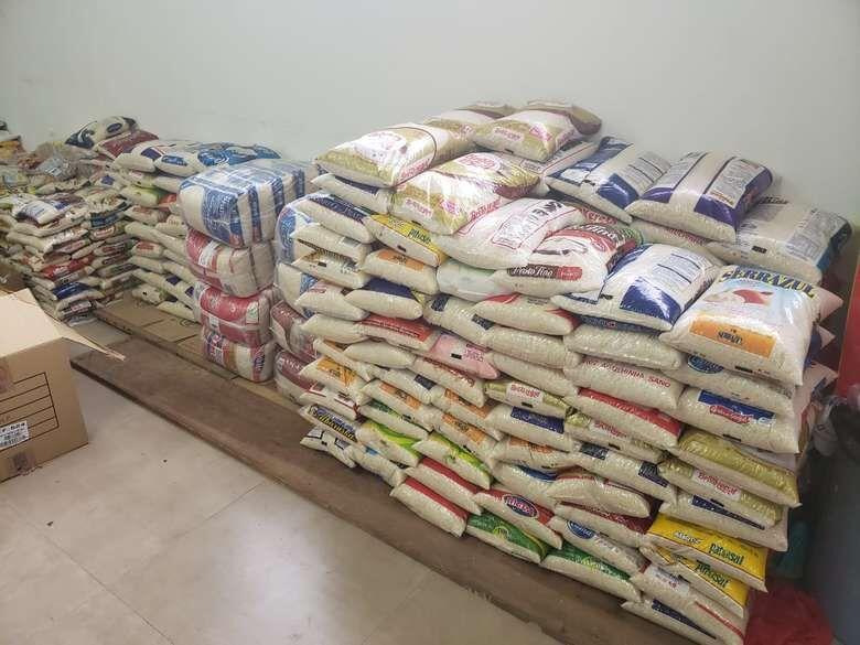 Drive-thru solidário arrecada alimentos em São Carlos neste sábado - Crédito: divulgação
