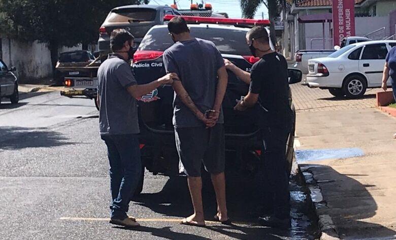 Polícia Civil e GM prendem acusado de tráfico de drogas no Cruzado - Crédito: divulgação/Polícia Civil
