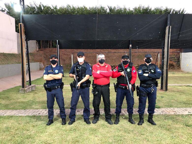 Agentes da Guarda Municipal de São Carlos participam de treinamento no Clube de Tiro C.A.T.E. Valenti - Crédito: divulgação
