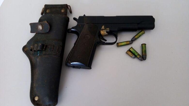 Polícia Civil realiza apreensão de armas e drogas em Ibaté - Crédito: divulgação
