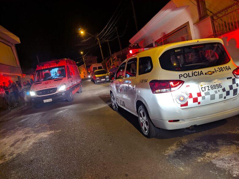 Movimentação na rua onde ocorreu o fato - Crédito: Maycon Maximino