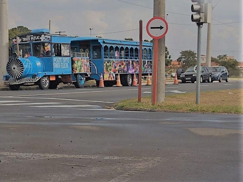 Força-tarefa notifica proprietário do trenzinho azul a encerrar as atividades - Crédito: divulgação/PMSC