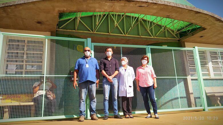 Da esquerda para a para a direita:  Everaldo Ferreira Cruz (Diretor de Manutenção Viária)  Vereador Elton Carvalho  Shizuyo Ito (Supervisora UBS Botafogo)  Denise Aparecida Braga (Chefe do Departamento de Gestão do Cuidado Ambulatorial) - Crédito: divulgação