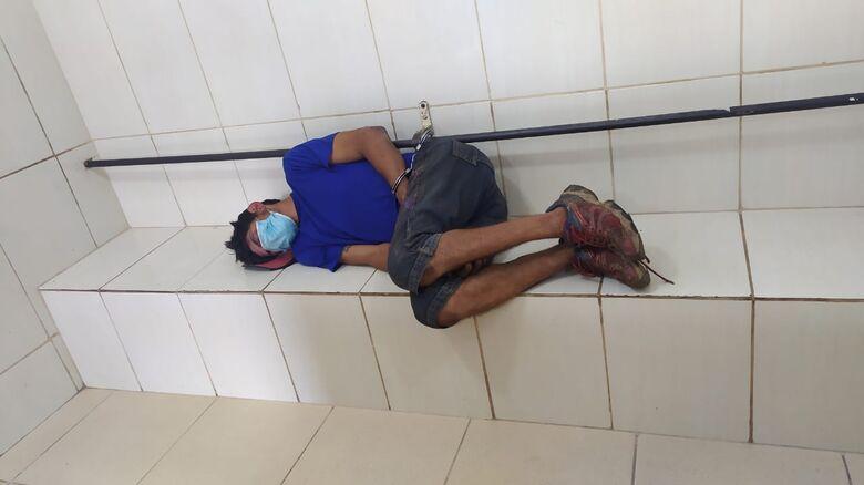 Suspeito após furtar celular foi detido pela PM e recolhido ao centro de triagem - Crédito: Maycon Maximino