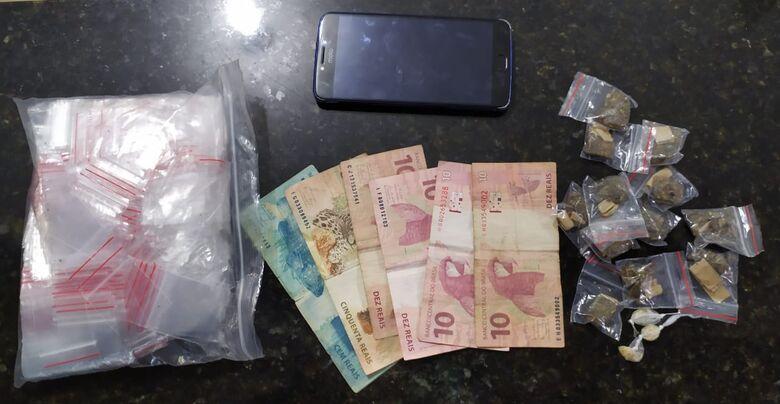 A droga apreendida pela GM na casa. O menor fugiu - Crédito: Maycon Maximino