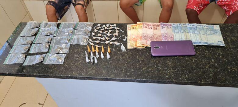 A droga que estava em poder do trio infrator - Crédito: Maycon Maximino