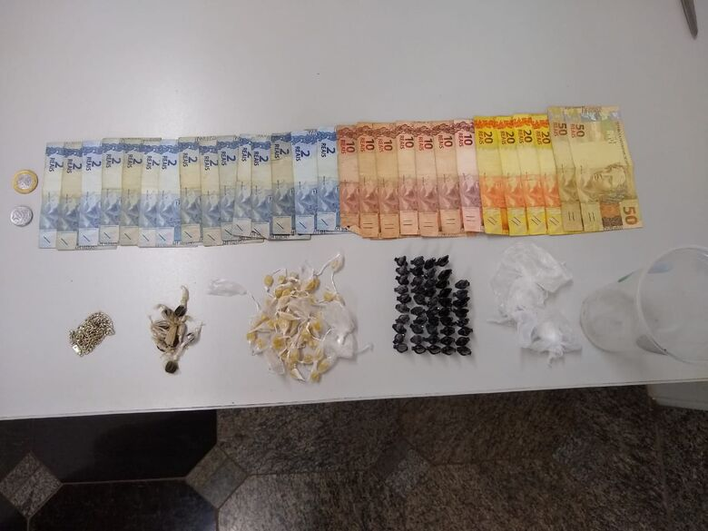 A droga que estava em poder do suspeito - Crédito: Divulgação