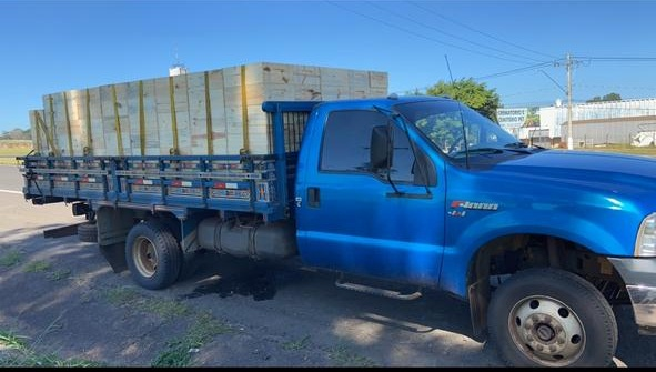 Caminhão furtado no Cruzeiro do Sul é recuperado pela PM - Crédito: divulgação