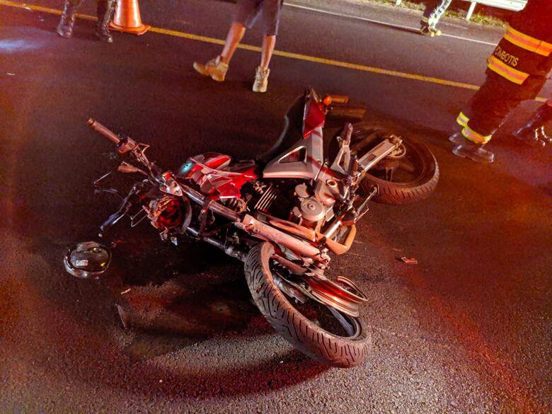 Colisão frontal mata motociclista na SP-318 - Crédito: Maycon Maximino