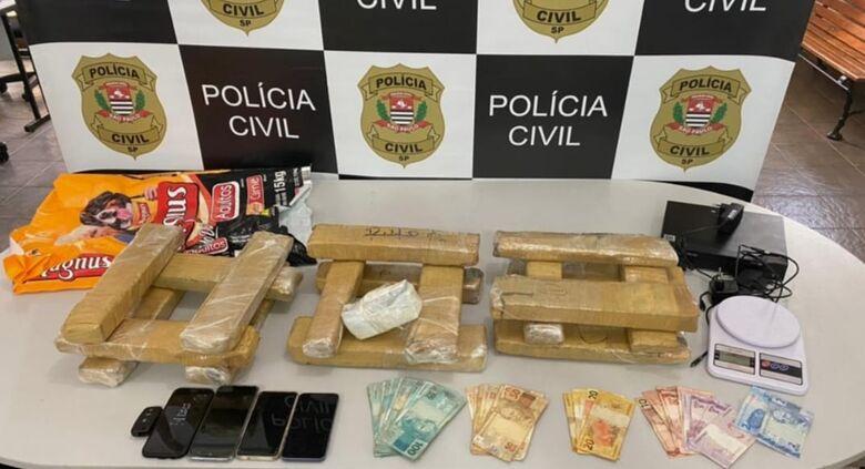 Droga encontrada na lanchonete - Crédito: Maycon Maximino