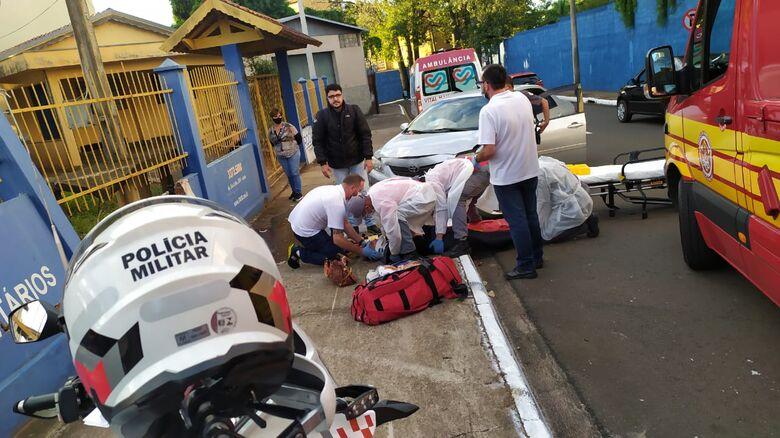 Mulher passa mal ao volante e carro bate em muro na região da USP - Crédito: Maycon Maximino