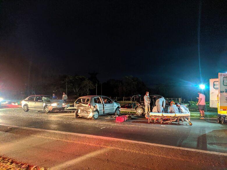 Engavetamento deixou três feridos - Crédito: Maycon Maximino