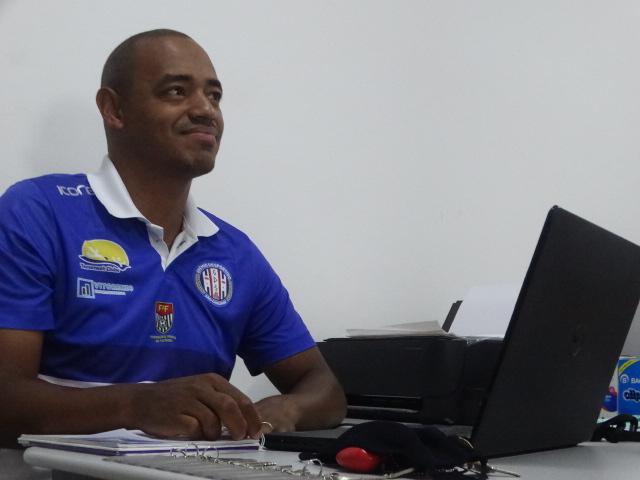 """""""Estamos atentos ao mercado e podemos fazer novas contratações"""", disse Marcus Vinícius - Crédito: Marcos Escrivani"""