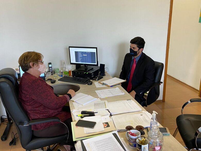 Vereador Bruno Zancheta se reúne com Secretária Municipal de Educação Wanda Hoffmann -