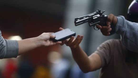 """Dupla rende vítima e através de """"PIX"""" rouba R$ 10.484,00 em São Carlos - Crédito: divulgação"""