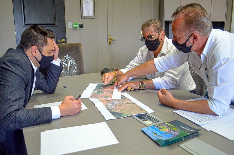 Documento especifica que recursos deverão ser utilizados na pavimentação asfáltica do Distrito Industrial e interligação dos dois novos conjuntos habitacionais - Crédito: Divulgação