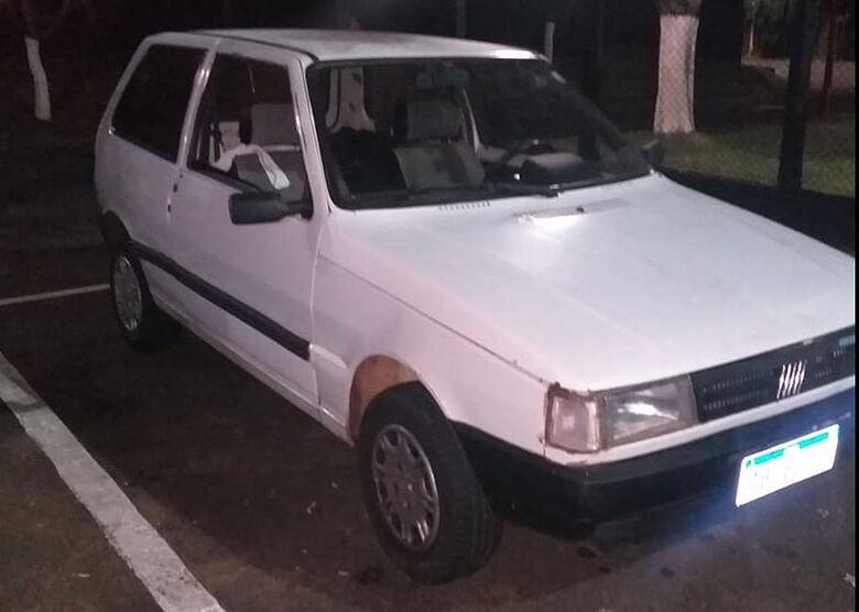 Após perseguição, Força Tática recupera carro furtado - Crédito: divulgação/PM