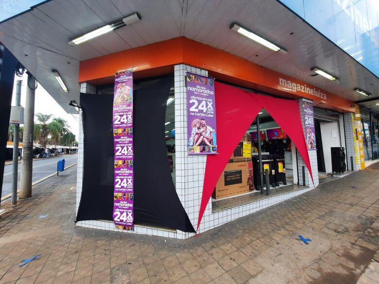 Nesta sexta-feira a loja estará aberta até as 19h e sábado até as 17h - Crédito: Divulgação