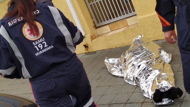 Morador de rua foi encontrado morto no centro de São Carlos - Crédito: Maycon Maximino