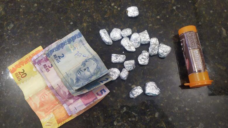 Adolescente é flagrado com drogas no CDHU - Crédito: Maycon Maximino