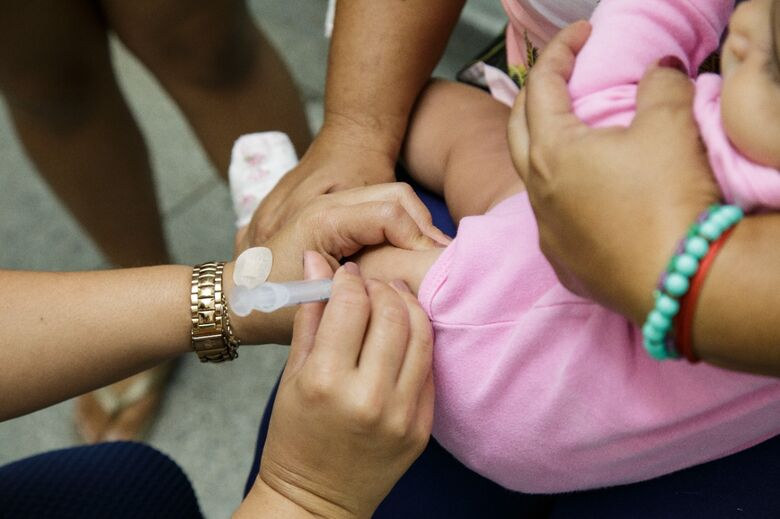 Vacinação contra a gripe será aberta para todos os públicos a partir de segunda-feira - Crédito: divulgação