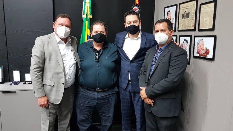 Roselei durante encontro com representantes do governo estadual - Crédito: Divulgação