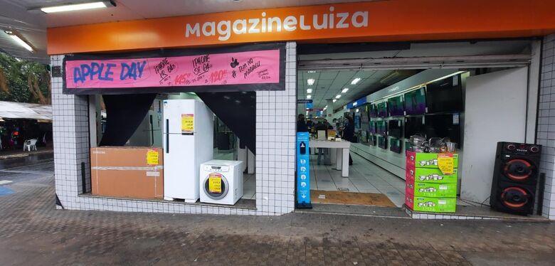 Super fechamento de mês no Magazine Luiza -
