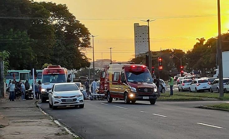 Casal fica ferido após acidente na região da rodoviária - Crédito: Maycon Maximino