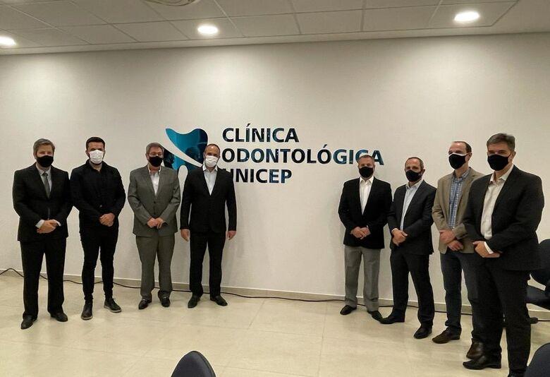 Rodson representa a Câmara Municipal na inauguração da Clínica de Odontologia da Unicep - Crédito: Divulgação